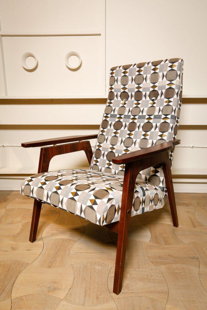 Совместный проект мебельного ателье Спутник для телепередачи Фазенда, кресло Каллисто в передаче Фазенда